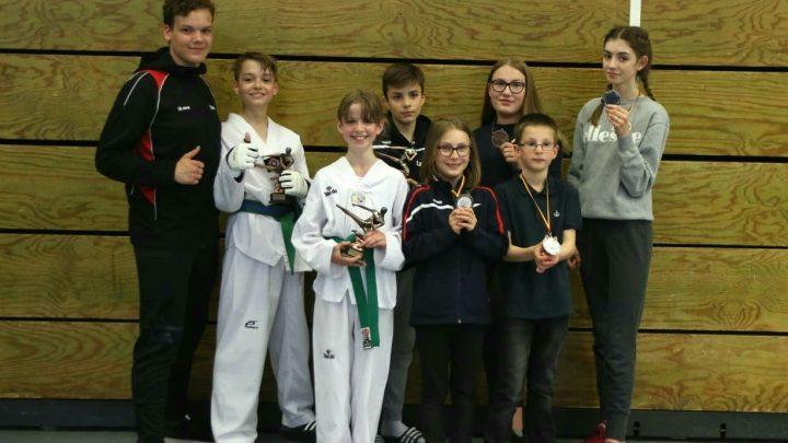 Dreimal Bronze, einmal Silber und drei Goldmedaillen beim Int. Becketal Cup